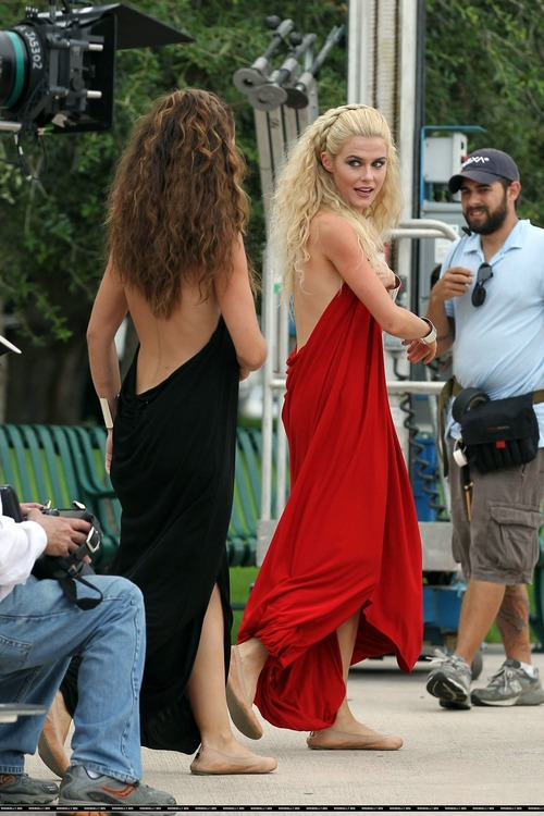 Minka Kelly On Set of Charlies Angels (7)