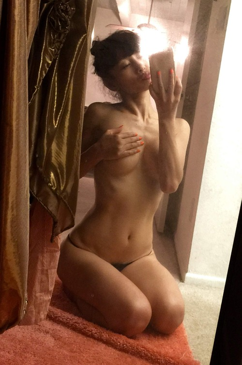 Bai Ling Naked Selfies Private Location (30)