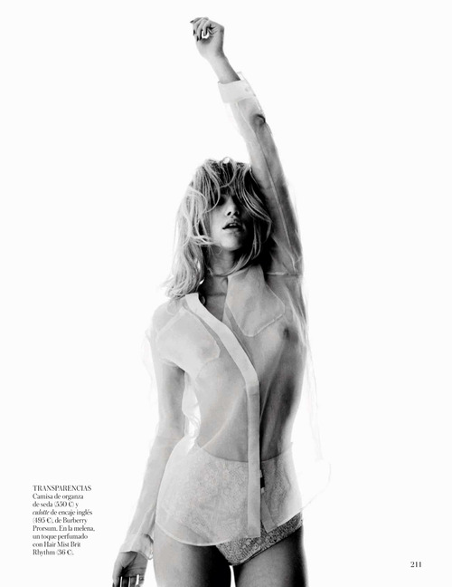 Suki Waterhouse Topless - Vogue Espana (4)