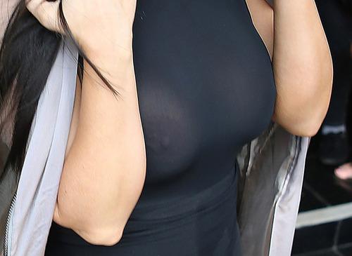 Kim Kardashian H (2)