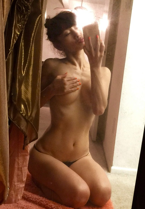 Bai Ling Naked Selfies Private Location (36)