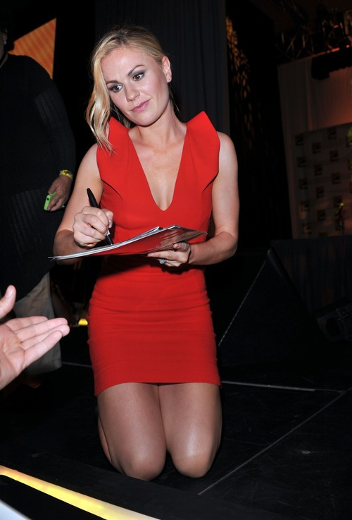 Anna Paquin - At The Comic Con In San Diego (14)