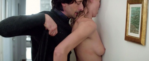 Yvonne-Strahovski-Nude-8-1