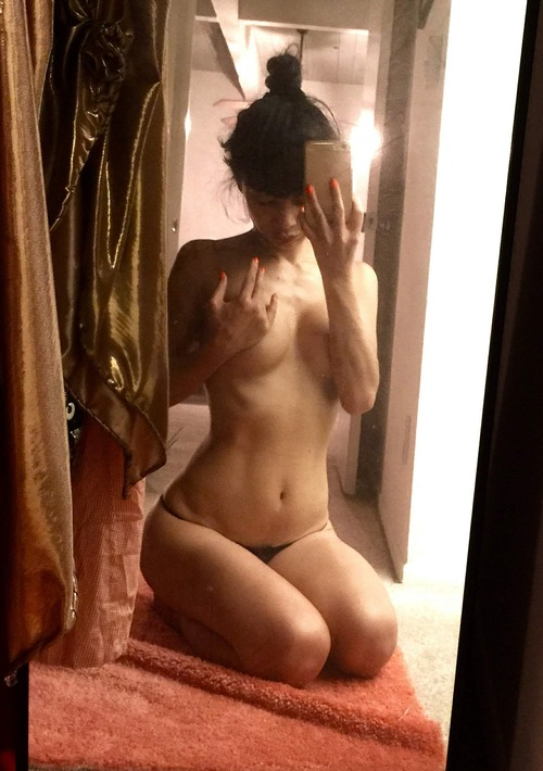 Bai Ling Naked Selfies Private Location (28)