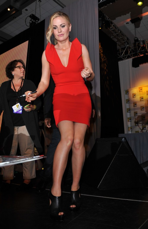 Anna Paquin - At The Comic Con In San Diego (4)