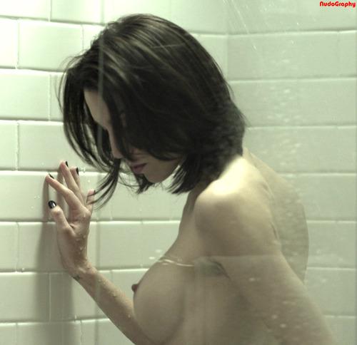 Christy Carlson Romaro Nude Scene (3)
