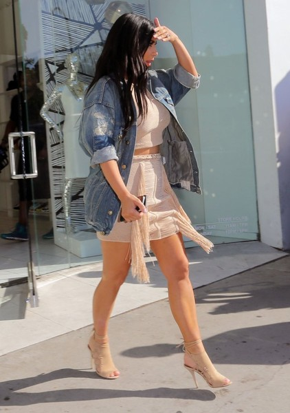 Kim Kardashian Visits DASH in West Hollywood  (1)