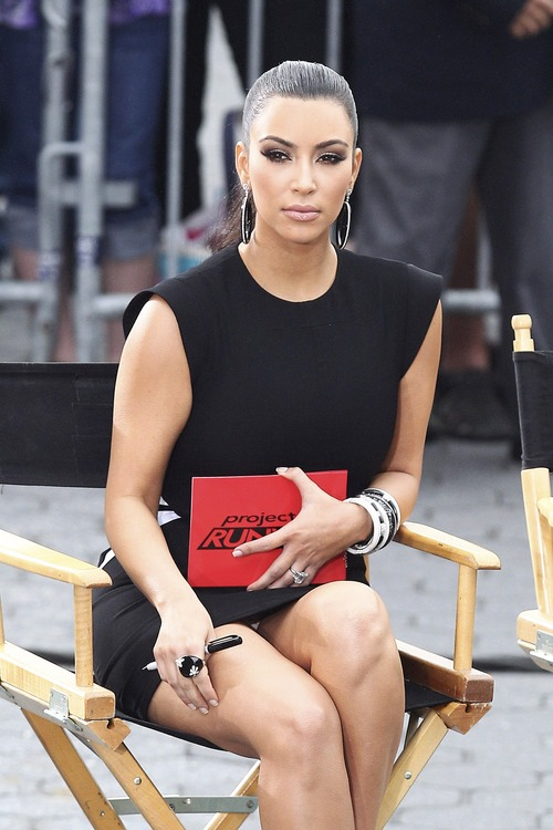 Kim Kardashian – Upskirt Project Runway in New York (1)