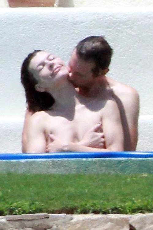 Milla Jovovich - Topless in Mexico