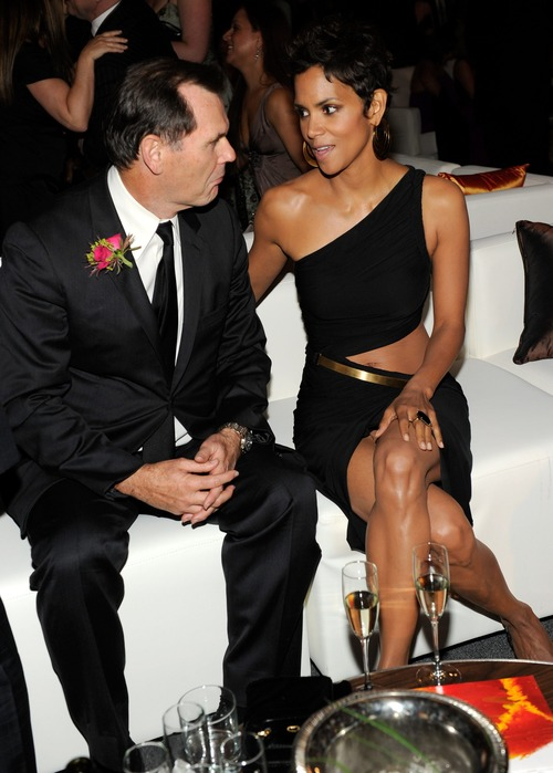 Halle Berry - 2011 FiFi Awards