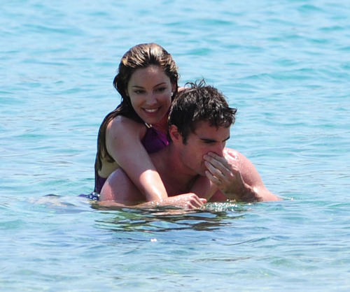 Kelly Brook in purple swimsuit on holiday (1)