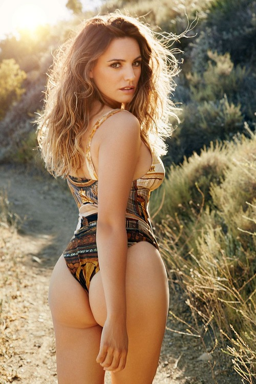Kelly-Brook-2016-Calendar-Preview-2