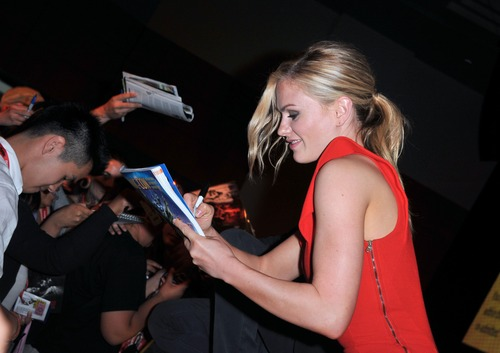 Anna Paquin - At The Comic Con In San Diego (9)