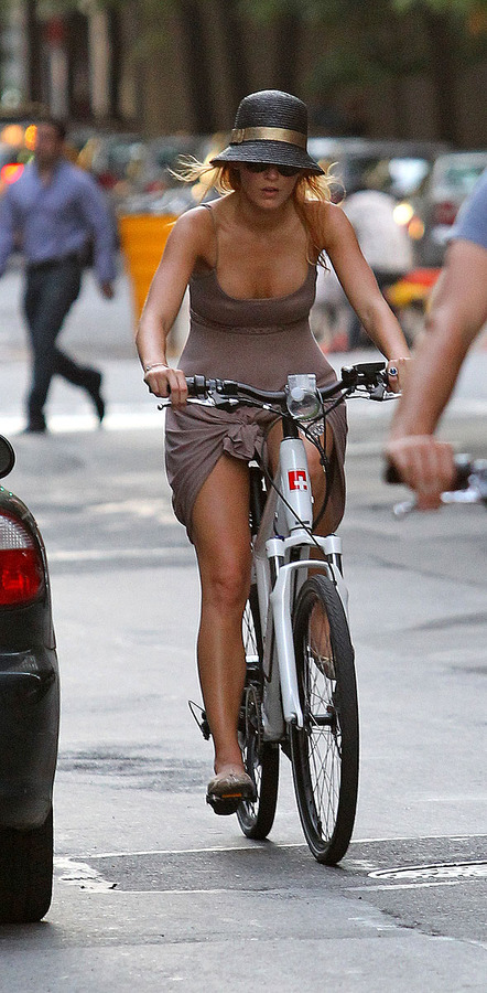Blake Lively - bike ride in New York