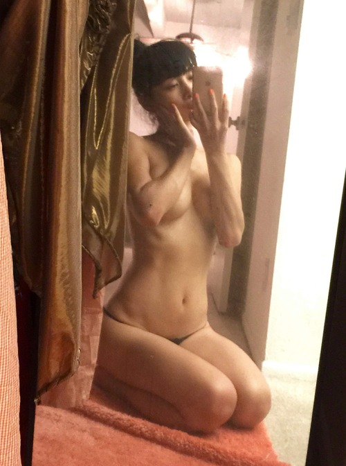 Bai Ling Naked Selfies Private Location (25)