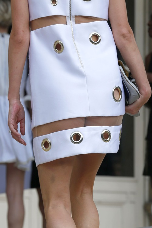 Nicky Hilton Upskirt Paris Fashion Week (12)