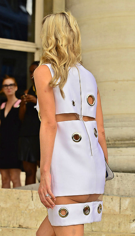 Nicky Hilton Upskirt Paris Fashion Week (18)