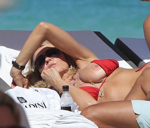 Rita Rusic - nipslip and in a bikini (14)