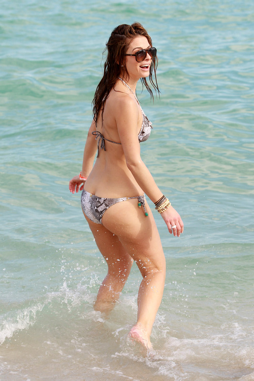 Maria Menounos - wearing a bikini in Miami Beach (6)