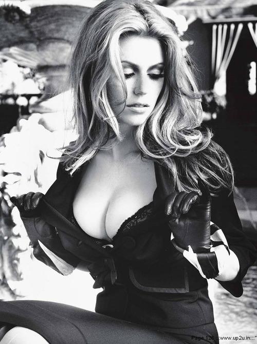 Diora Baird - Playboy August 2005 (14)
