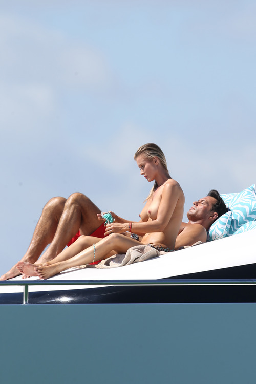 Joanna Krupa Topless in Miami on Feb 22003