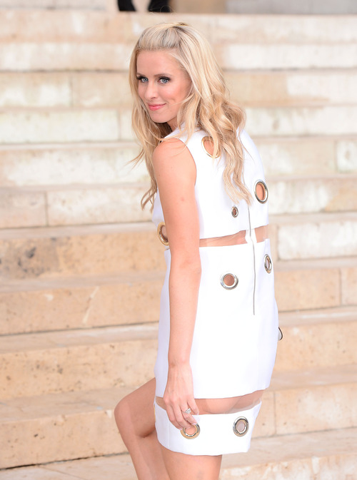 Nicky Hilton Upskirt Paris Fashion Week (5)
