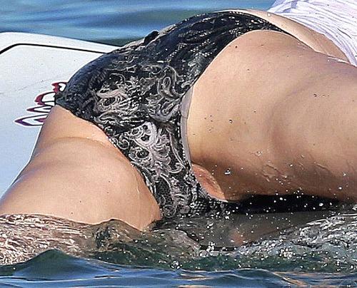 Olivia Wilde Paddle Boarding in a Bikini (2z)