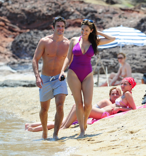 Kelly Brook in purple swimsuit on holiday (20)