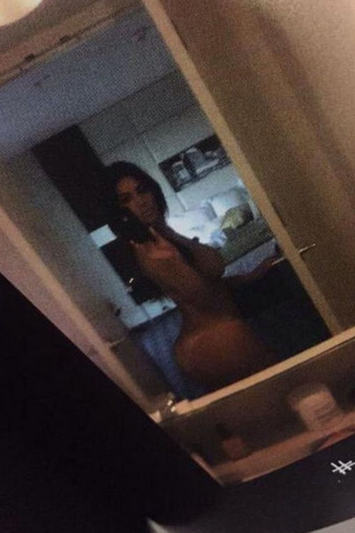 kim kardashian selfnude (3)