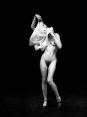 xnews-milla jovovich - nude 15