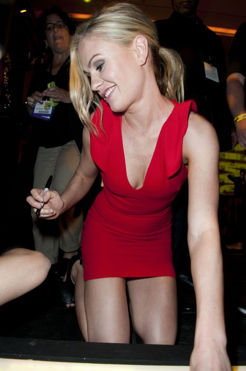 Anna Paquin - At The Comic Con In San Diego
