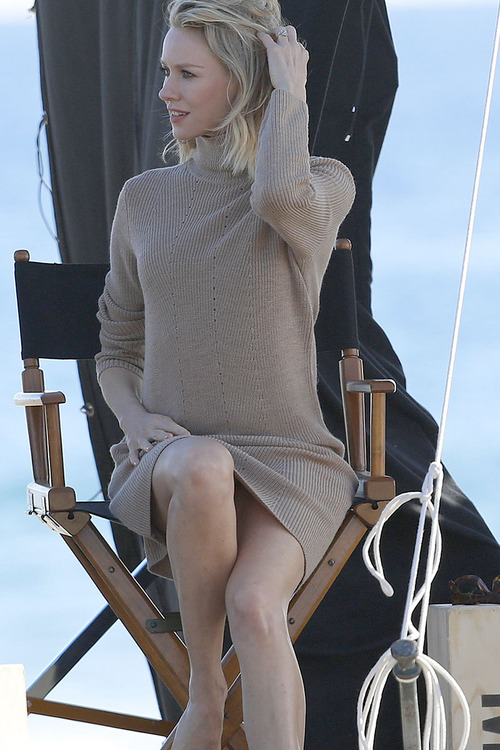 Naomi-Watts-Panty-Peek-While-Filming-A-Commercial-In-Malibu-02