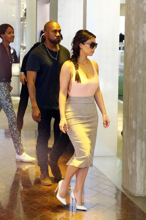 xnews2 Kim Kardashian 12