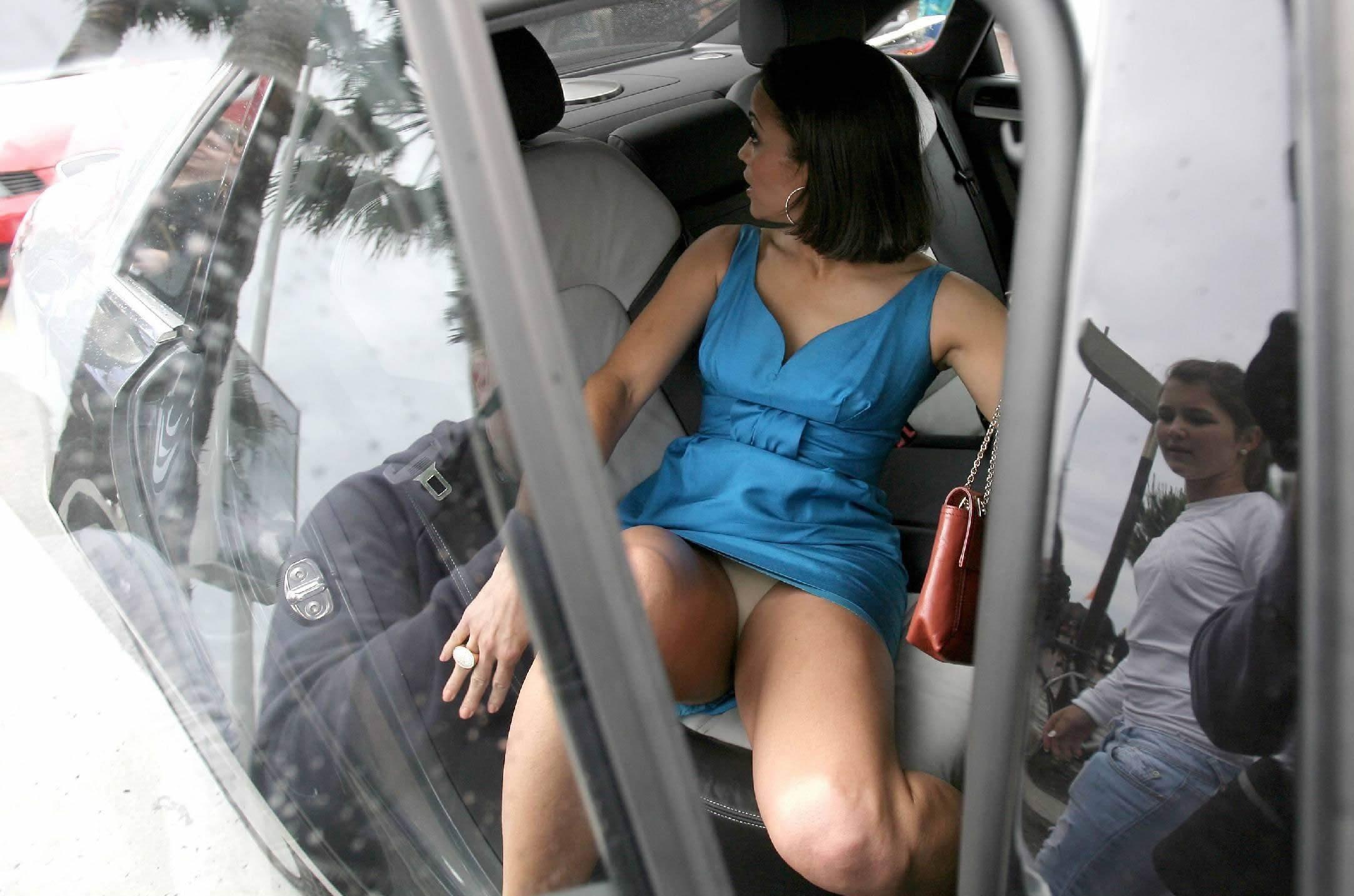 под юбкой подсмотренное на улице и в транспорте вот