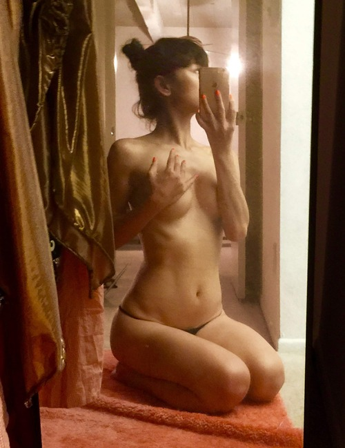 Bai Ling Naked Selfies Private Location (16)
