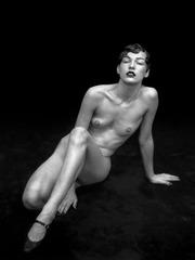 xnews-milla jovovich - nude 11