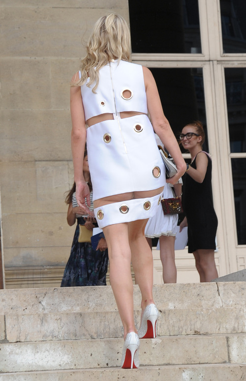 Nicky Hilton Upskirt Paris Fashion Week (13)