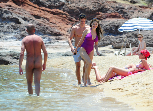 Kelly Brook in purple swimsuit on holiday (18)