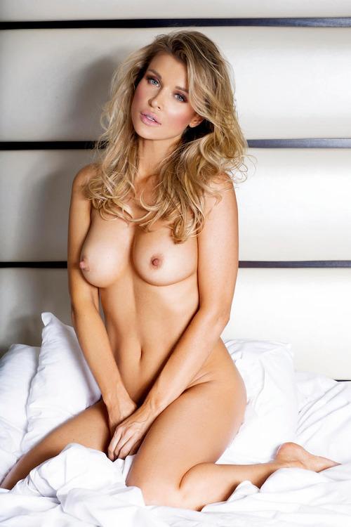 Joanna-Krupa-Naked-4