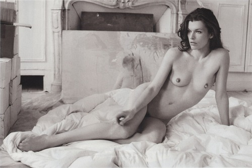 Milla Jovovich Purple (2)