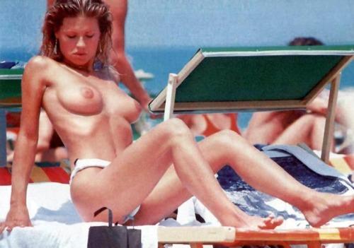 Michelle Hunziker -  Topless 2004 Candids (6)