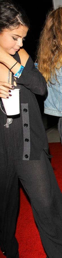xnews2  Selena Gomez e12