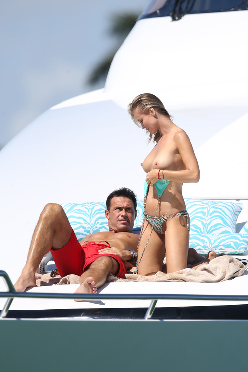Joanna Krupa Topless in Miami on Feb 22011