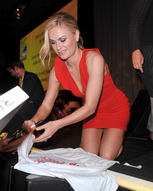 Anna Paquin - At The Comic Con In San Diego (15)