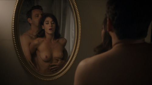 Lizzy Caplan in Masters of Sex