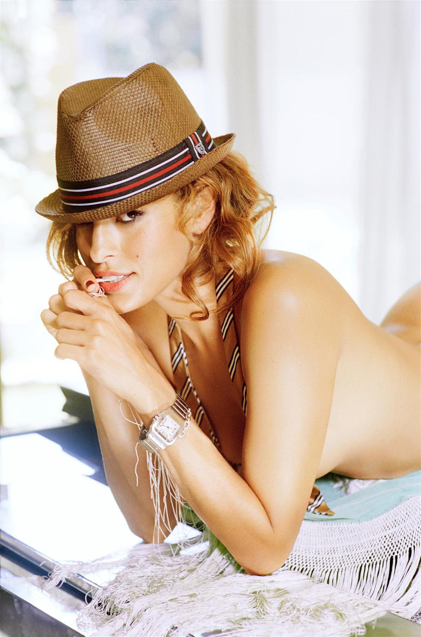 Eva Mendes nackt, Oben ohne Bilder, Playboy Fotos,