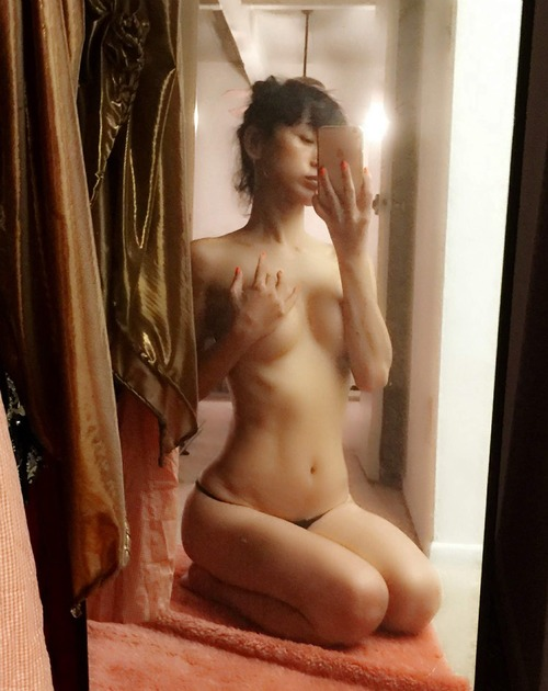 Bai Ling Naked Selfies Private Location (5)
