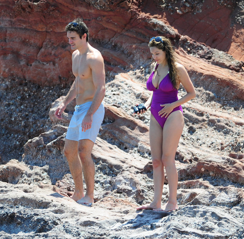 Kelly Brook in purple swimsuit on holiday (23)