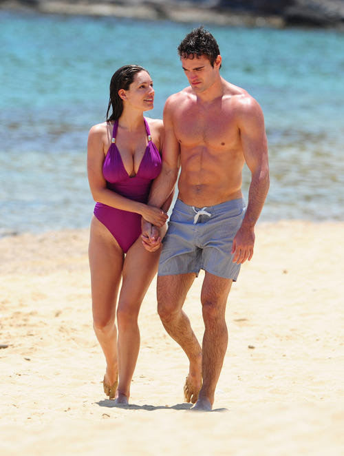 Kelly Brook in purple swimsuit on holiday (8)