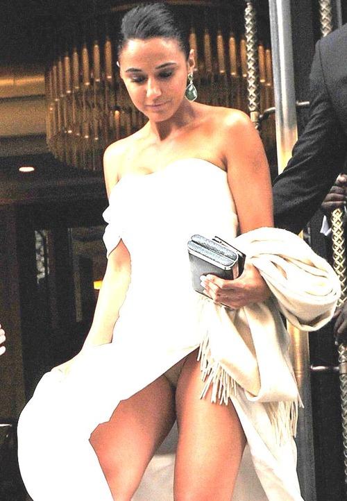 Emmanuelle Chriqui panty Upskirt (1) (2z)